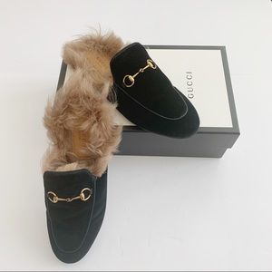 Gucci Shoes - 🎉HP🎉 Gucci Princetown Velvet Shearling Mule 40